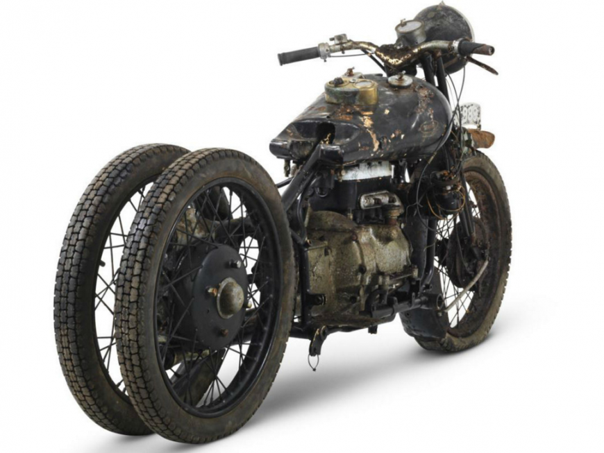 The ex- Hubert Chantrey 1938 Brough Superior 800cc BS4.png___2